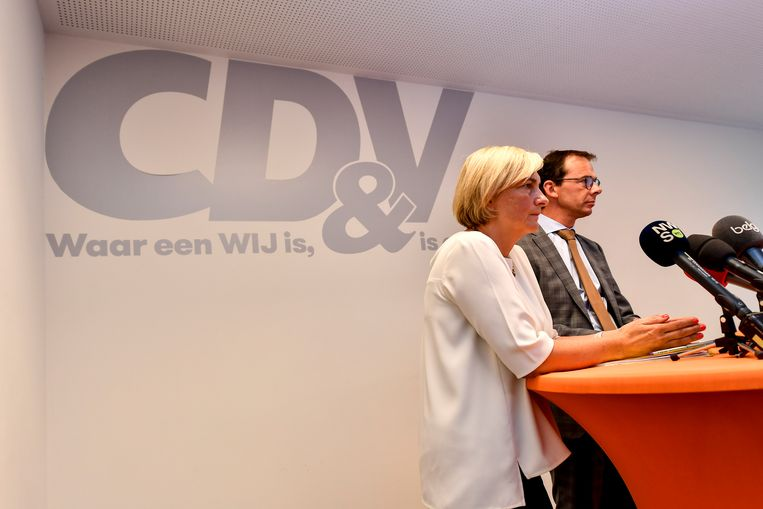 CD&V-minister Hilde Crevits en voorzitter Wouter Beke. Nooit eerder scoorde CD&V zo laag.