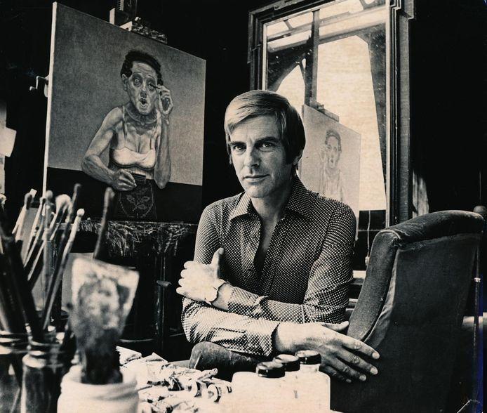 Herman Gordijn in zijn atelier met het schilderij Rimmel, 1972.