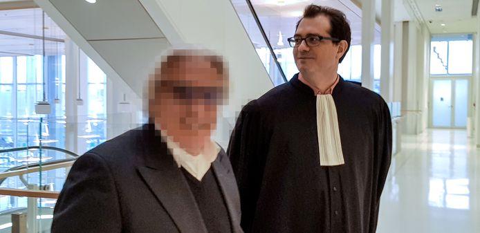 Jan F. en zijn Franse advocaat tijdens de rechtszaak in 2019 in Franakrijk.