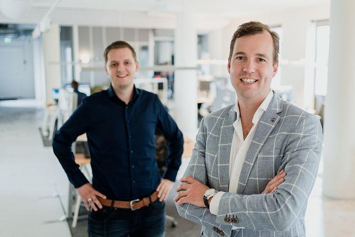 Oprichter Taco Potze van Open Social (voorgrond) en financieel directeur Bram ten Hove.