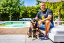 Paul Elstak met één van zijn honden.
