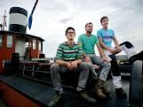 Stoomsleepboot Gebroeders Bever terug in Dordrecht, opgeknapt en wel