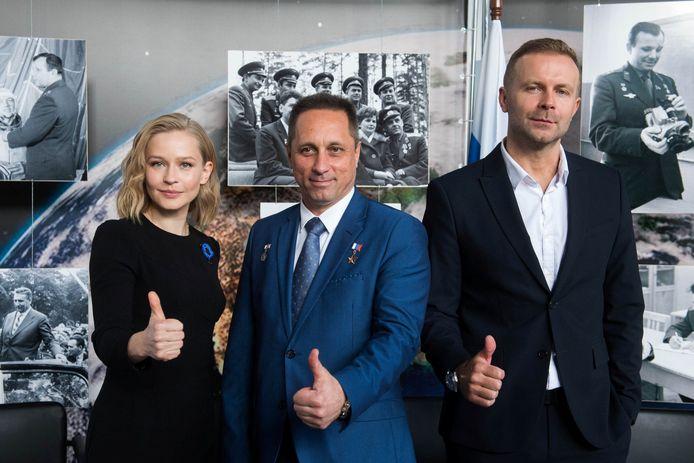 Actrice Julia Peresild, kosmonaut Anton Shkaplerov en regisseur Klim Shipenko.