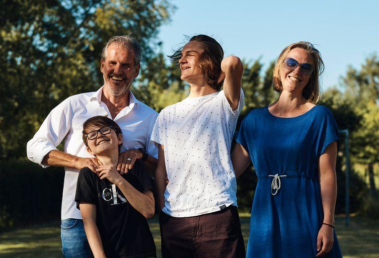 Aster De Pauw en familie. Beeld thomas nolf