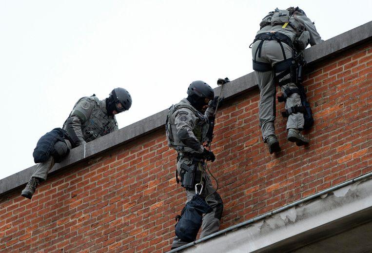 Archiefbeeld van agenten van de DSU (Direction Specials Units).