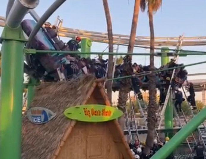 22 personnes se sont retrouvéest coincées dans un manège de Castles N' Coasters à Phoenix, en Arizona.