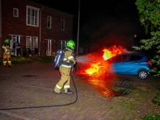 Weer twee autobranden in Arnhem, totaal staat nu op dertien in een week