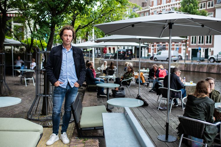 Remco Poelmans (52), mede-eigenaar van Café de Jaren. Beeld Nosh Neneh