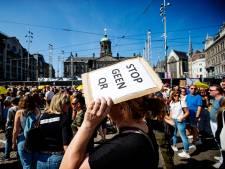 LIVE | Minderheid Nederlanders vóór beperken ongevaccineerden, Frans zorgpersoneel geschorst na weigeren vaccin