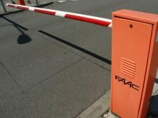 Onverhard pad in Bakel eenzijdig afgesloten