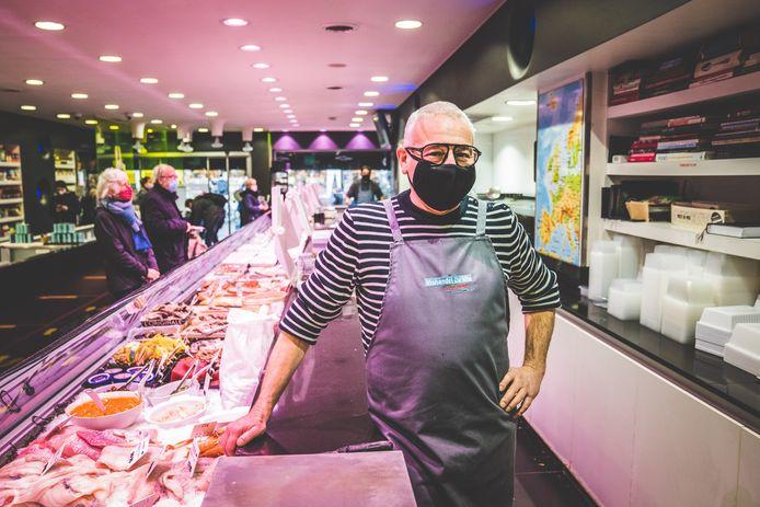 Danny Decroos, zaakvoerder van de bekende vishandel De Vis in de Volderstraat.