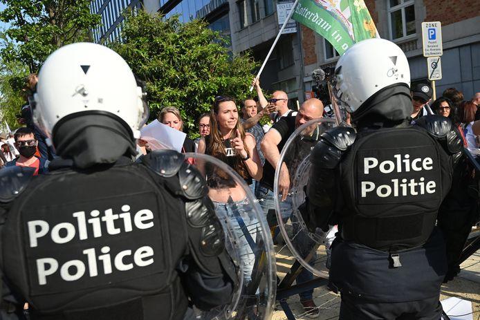 Politieagenten bij een demonstratie in Brussel eerder dit jaar.