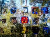 Kinderen in azc Oisterwijk maken serie portretten van zichzelf en de burgemeester