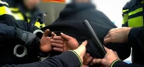 Man uit Waalwijk aangehouden met drugs en duizenden euro's geld op zak