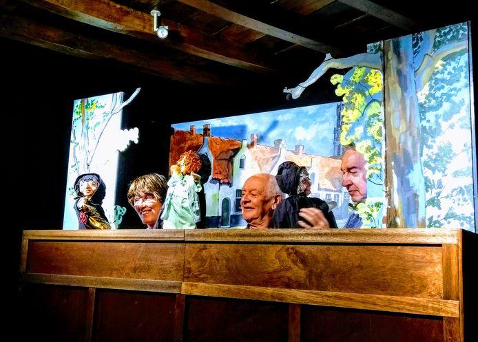 Het Brugs poppentheater gaat voortaan digitaal.