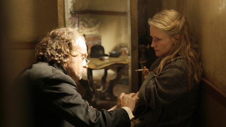 Doc Cochran (Brad Dourif) en prostituee Trixie (Paula Malcomson).