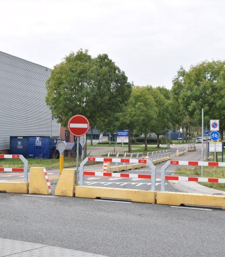 Betonblokken maken einde aan onveilige situatie op rotonde in Doetinchem: onderzoek naar definitieve oplossing