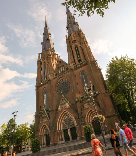 Optillen van Catharinakerk: slechte 1 aprilgrap of wereldwonder?