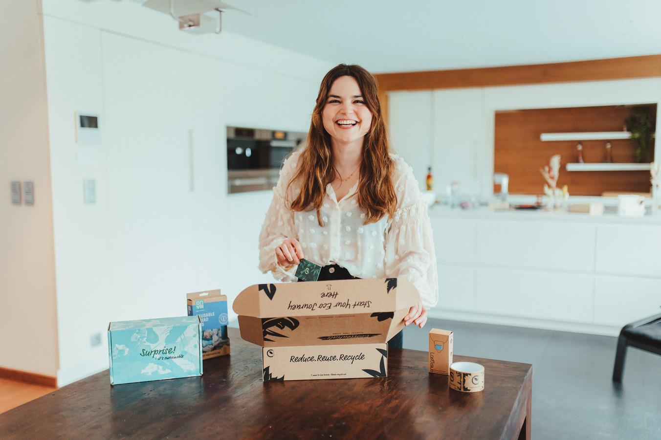 """Tunesisch-Belgische onderneemster Mounia Ladhib uit Brasschaat startte een webshop dat uitsluitend milieuvriendelijke spullen verkoopt: """"We hebben de klassieke zaken zoals Bamboo-tandenborstels en scheermesjes, maar ook 'speciallekes' zoals menstruatieondergoed!"""""""
