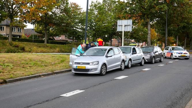 Autosandwich zorgt voor verkeershinder rondom spoorgebied Apeldoorn