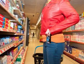 Personeel Aldi betrapt winkeldief op heterdaad