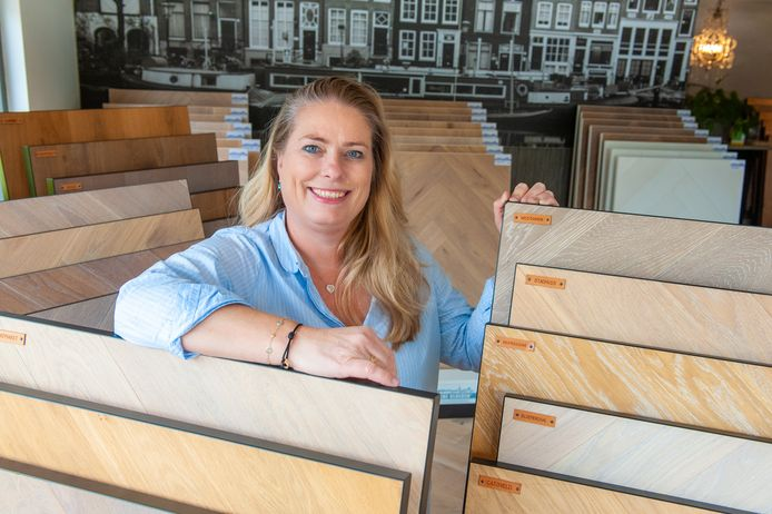 Mireille van Veen van de Parket Specialist Gouda merkt dat de vraag naar parket groter is dan het aanbod.
