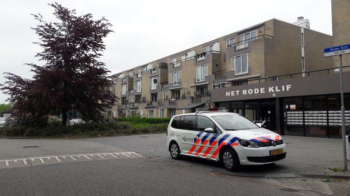 Het appartementencomplex waar Thomassen woonde en werd gedood.