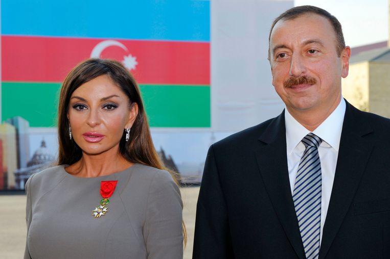 De Azerische president Ilham Aliev en zijn echtgenote Mehriban Alieva. Beeld AFP