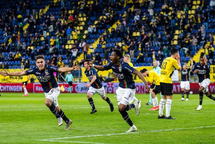 Jonathan Okita maakt de winnende goal.