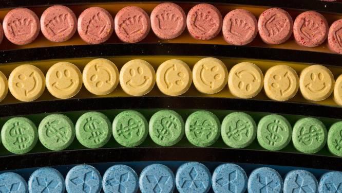 Betrapte drugsdealer blijft maand langer in de cel