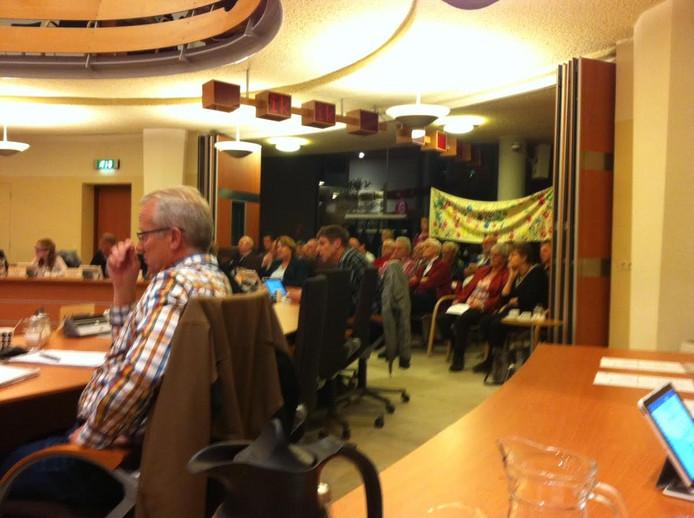 Een volle tribune in de raadszaal van Uden maakte de commissie duidelijk dat het accommodatiebeleid niet deugt