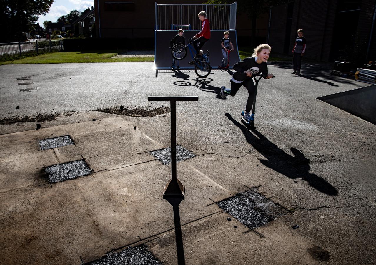 Het skatebaantje aan de Spoorlaan wordt opgeknapt en krijgt nieuwe ramps.