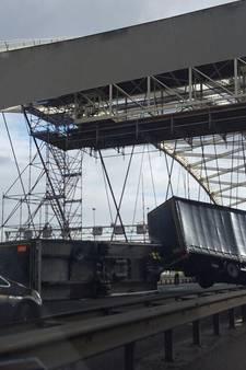 Storm zorgde voor lange files en ongelukken in Rotterdam
