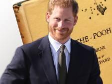 Prins Harry doet neefje Louis kinderboekje van 8500 euro cadeau
