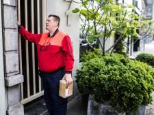 'Buurtposters' gezocht in Eindhoven: Postpakketjes aannemen in strijd tegen eenzaamheid