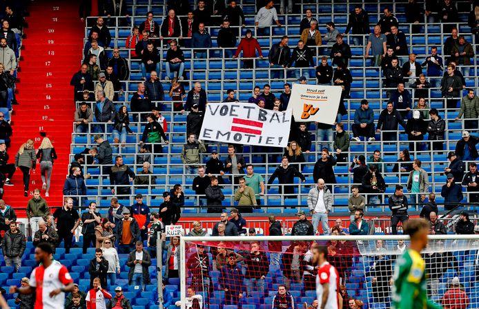 Fans van Feyenoord bij de wedstrijd tegen ADO Den Haag (4-2) van zondagmiddag in de Kuip.