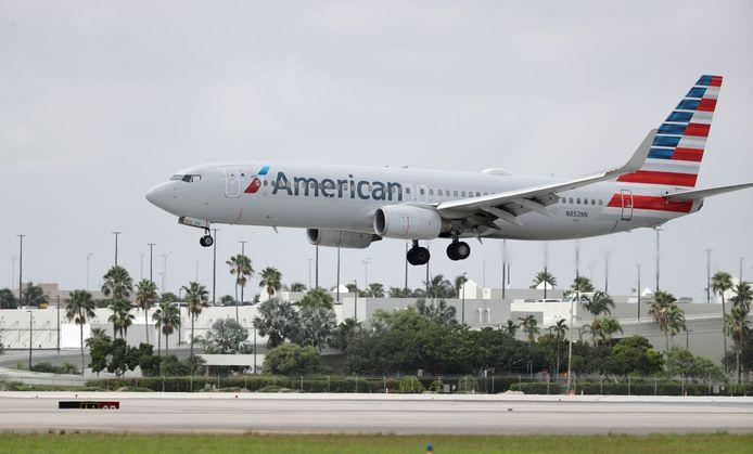 De Boeing 737-823 van American Airlines.
