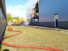 Twee bedrijven zwaar getroffen door brand bedrijventerrein Hengelo