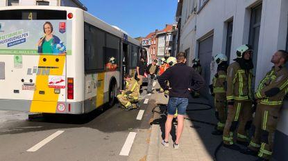 Brandweer moet oververhitte remmen Lijnbus blussen aan Menenpoort