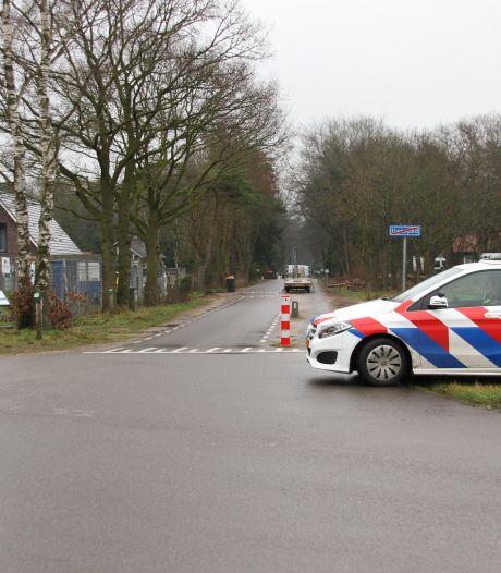 Man (36) aangehouden na gewelddadige woninginbraak in Holten; bewoonster naar ziekenhuis