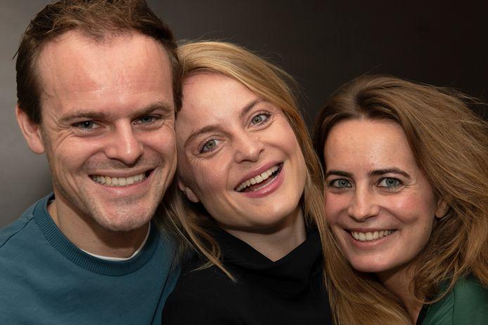 Felice Smits (midden) met broer Jules en zus Aimee .