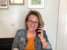 Judith houdt via WhatsAppgroepen contact met ouderen: 'Soms genieten we samen buiten van het zonnetje'