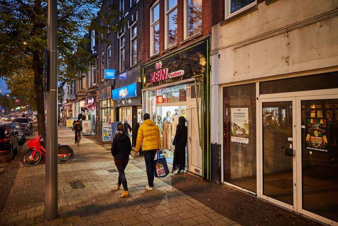 Lege winkelpanden zouden omgebouwd moeten worden tot woningen of ateliers.