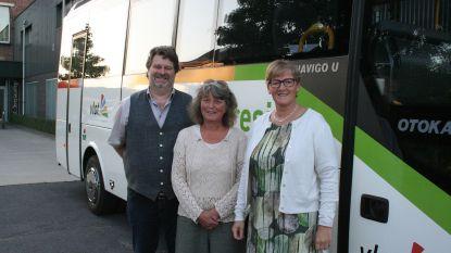 Sint-Teresia neemt na 300.000 kilometer afscheid van oude schoolbus