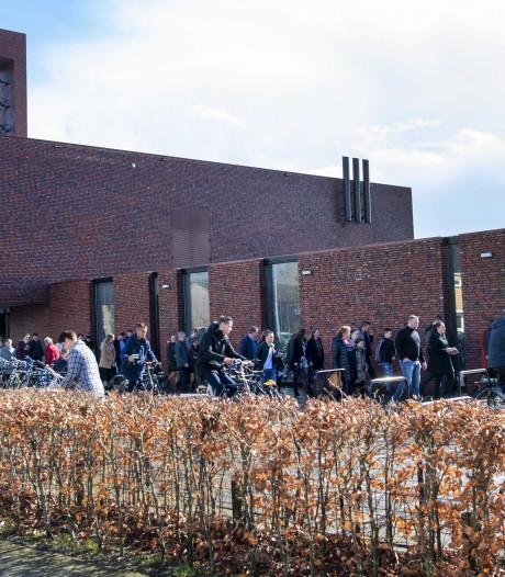Kerken op Urk volgen advies burgemeester: deuren tijdens dienst op slot