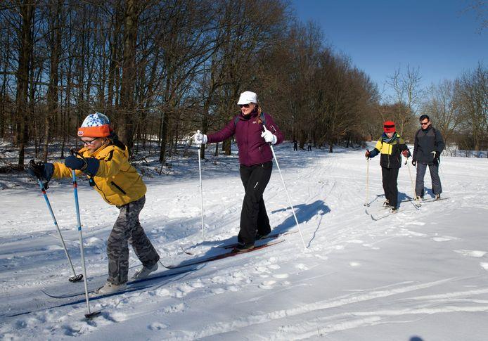 Langlaufen op de voormalige 9-holes golfbaan bij recreatiegebied De Beldert in Zoelen.