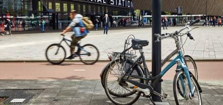 Het houdt niet op: rondom Rotterdam CS staan alleen maar foute fietsen