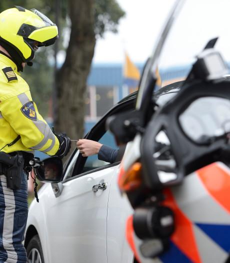 Bonnenregen tijdens controles in Zwolle en Raalte: 141 boetes op N35