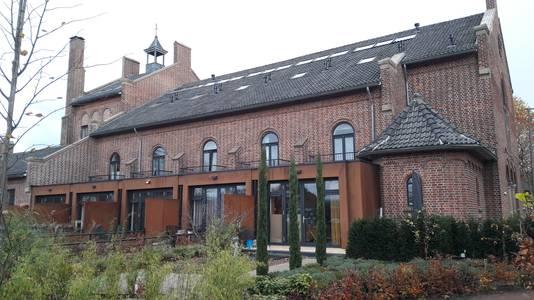 De voormalige kerk van Wijbosch werd verbouwd tot wooncomplex De Beukenhof. Een mooi voorbeeld van herbestemming, vindt Jan Kerkhof.