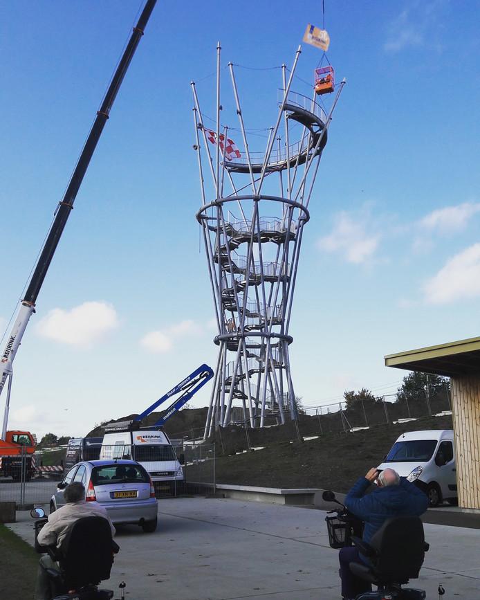 De Kempentoren in het Spoorpark heeft het hoogste punt bereikt.